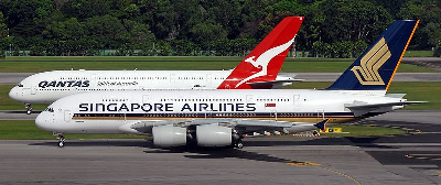 airport-Qantas and Singapore Airlines Airbus A380 at Changi Airport Prasertwit 400x168